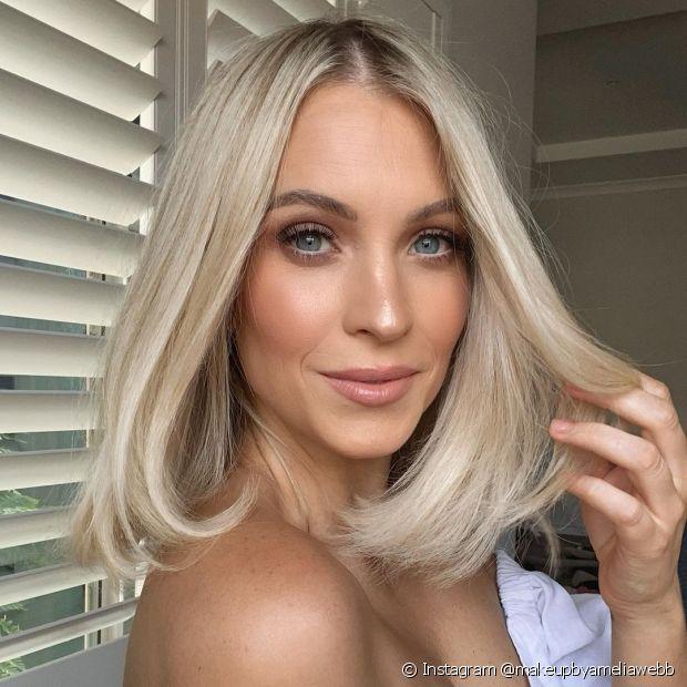 Aposte em um corte de cabelo curto e renove o visual (Instagram @makeupbyameliawebb)
