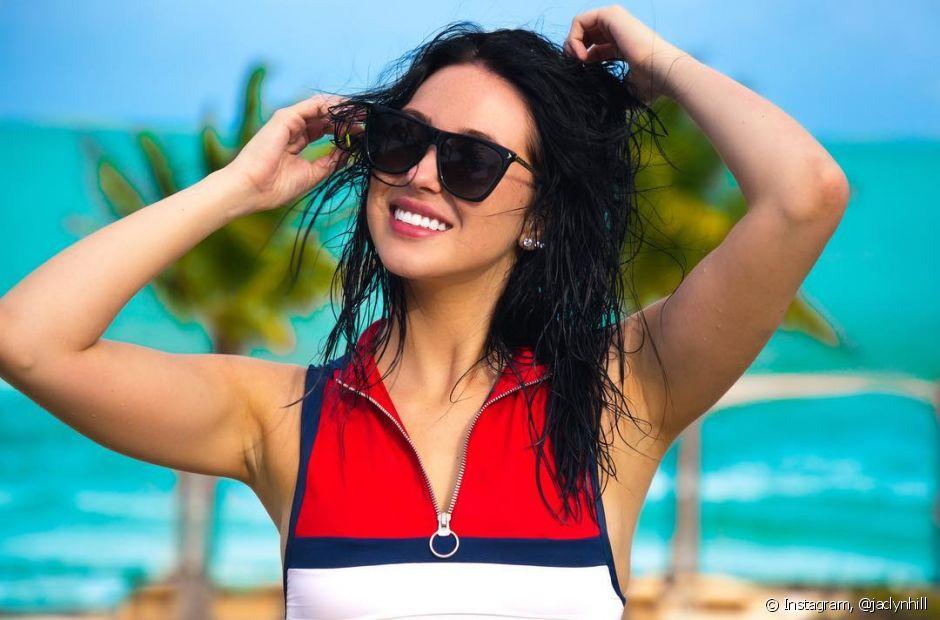 Usar chapinha em cabelos úmidos é um dos maiores erros capilares! Esse hábito pode resultar em fios queimados, quebrados, secos e danificados