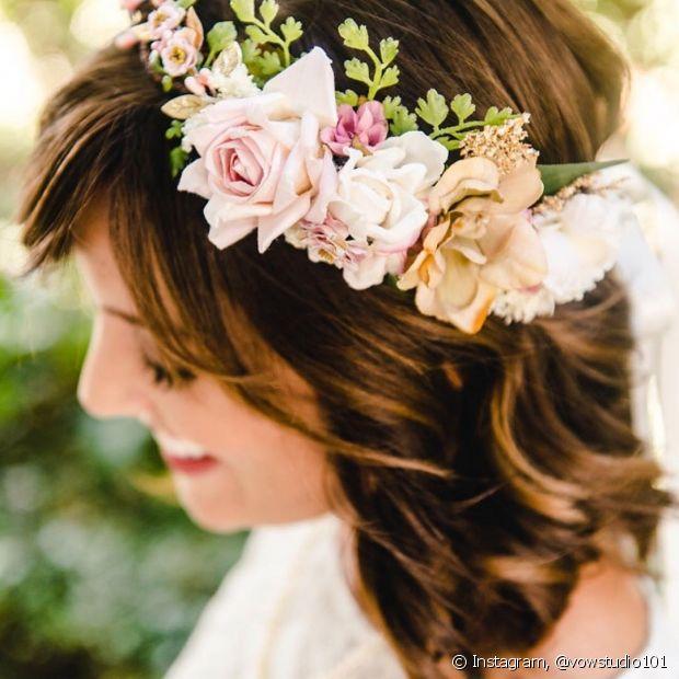 As ondas dão uma textura a mais no cabelo das noivas e ajudam a dar destaque para os fios