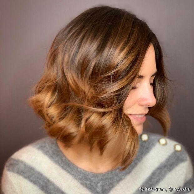 Ombre hair: cabelo curto e mechas mel dão match com o visual! (Foto Instagram: @mysacha)