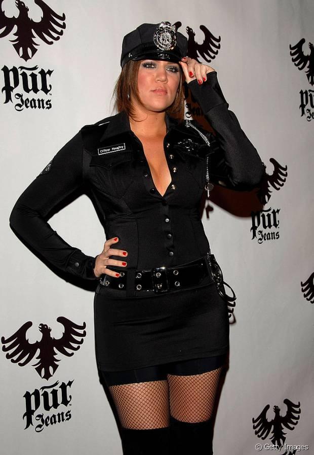 Khloe Kardashian de policial americana em 2007