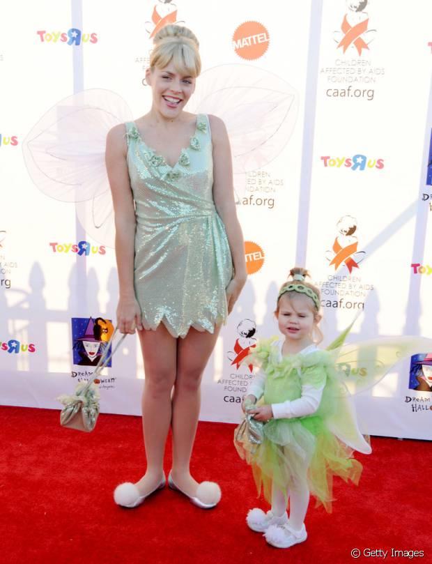 Busy Philipps e a filha Birdie de Sininho, em 2010