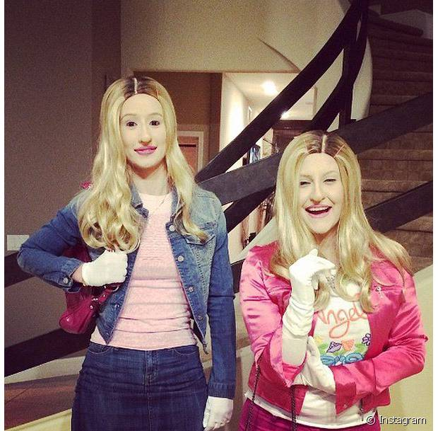 Iggy Azalea e amiga incorporaram personagens do filme 'As Branquelas'