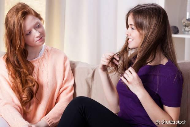 É sempre bom ouvir a opinião de uma amiga quando cortamos o cabelo, né?