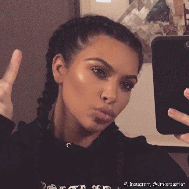 Kim Kardashian amou tanto a trança boxeadora que usou até no Natal