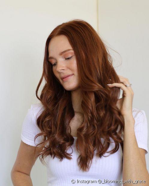 Além das vitaminas, os cremes de tratamento possuem ativos que fazem o cabelo crescer (Foto: Instagram @_blooming_with_grace)