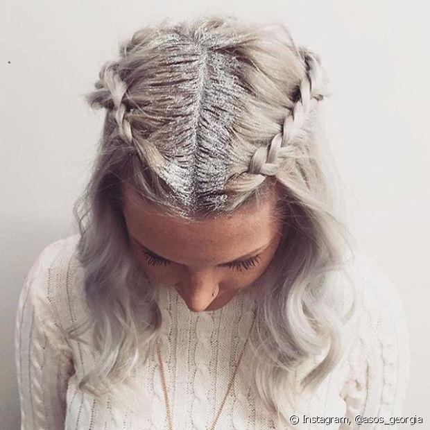 Tranças embutidas, boxeadoras ou em formato de tiara também deixam o penteado incrível!