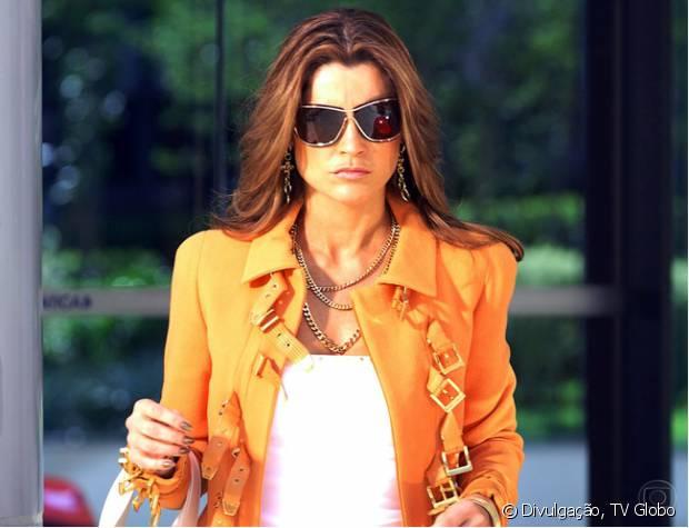 Em 2006, Flávia Alessandra investiu em cabelos acobreados para 'Pé na Jaca' (2007)