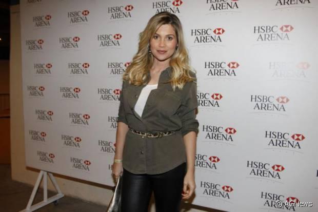 Flávia Alessandra tem preferência pelos cabelos loiros na vida real, mas a atriz também gosta de mudar o visual para suas personagens