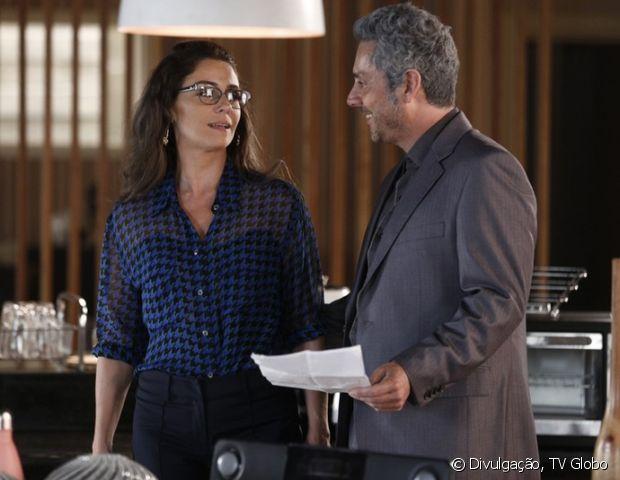 Atena (Giovanna Antonelli) pretende fugir com Romero (Alexandre Nero), na novela 'A Regra do Jogo'