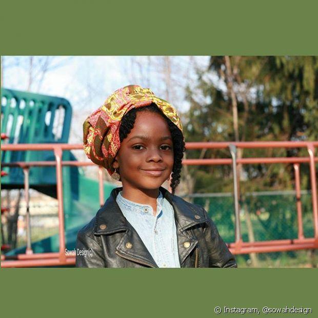 O turbante é um acessório de muito valor cultural e religioso e está fazendo o maior sucesso nos cabelos crespos e cacheados