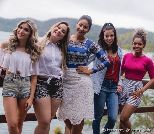Jessica Belcost, Cacau, Patricia Brazil (Grupo It Brazil), Thalita Ferraz e Bruna Ramos estão passando dias incríveis na Casa de Verão da Anitta