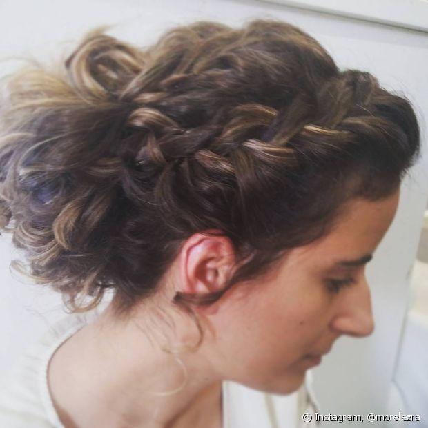 As tranças embutidas também têm vez no cabelo das cacheadas e ficam lindas!