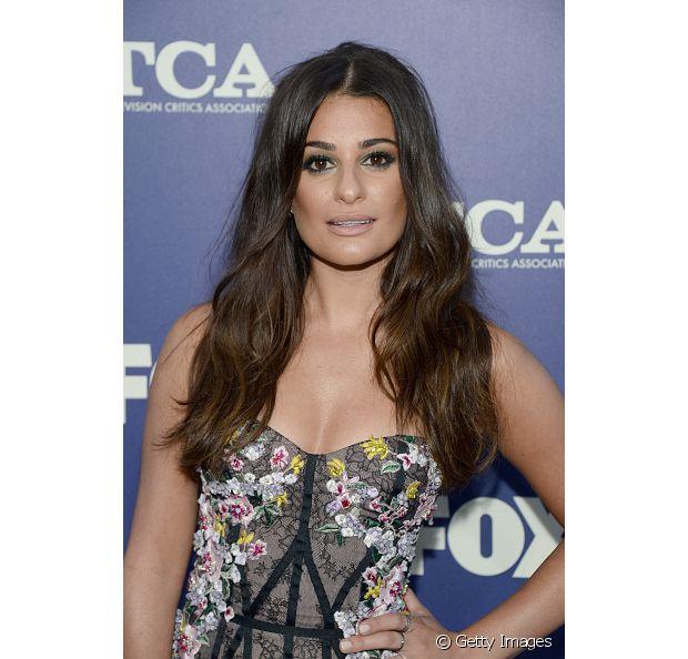 Lea Michele, a Rachel de Glee, iluminou o seu corte repicado com um ombré bem delicado