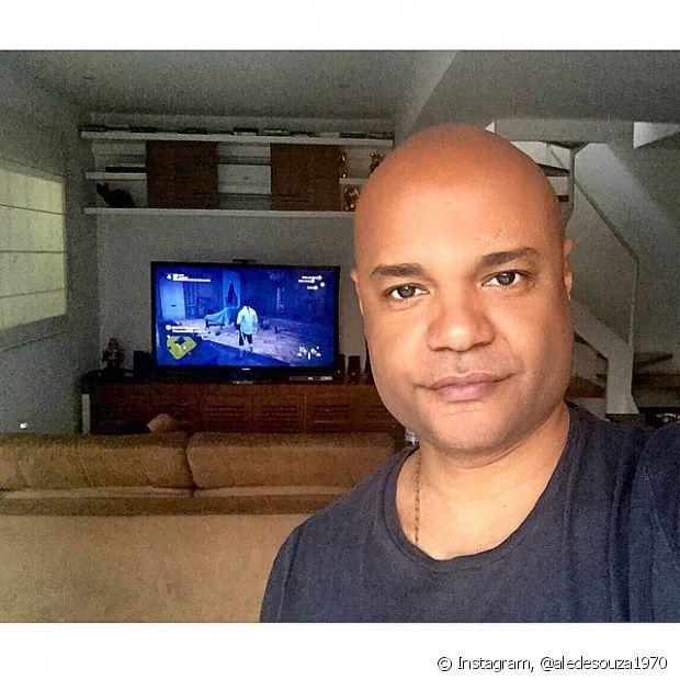 O expert de beleza Niely, Alê de Souza, dará dicas de cuidados com os cabelos no Fique Diva