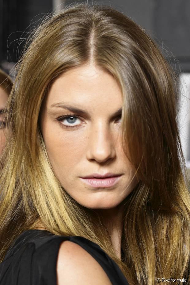 Já a repetição pode ser realizada a cada 20 dias ou mais, mas é importante fazer um teste de mecha para ter certeza que seus cabelos aguentarão a nova pigmentação