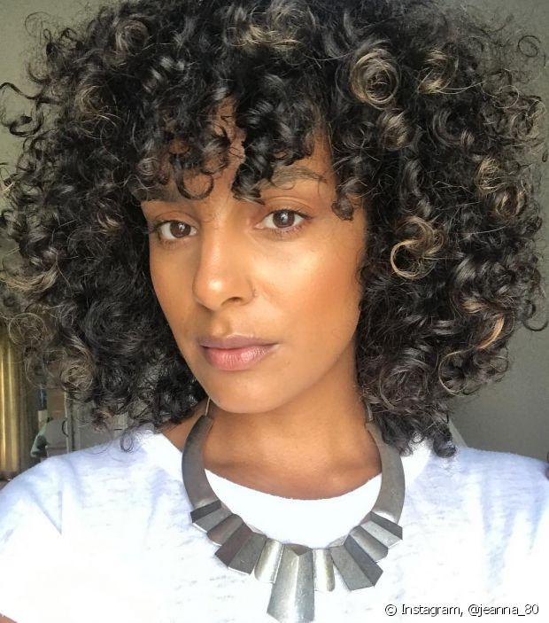 Para cabelos mais definidos, use o pente garfo depois de finalizações como o COG ou a fitagem