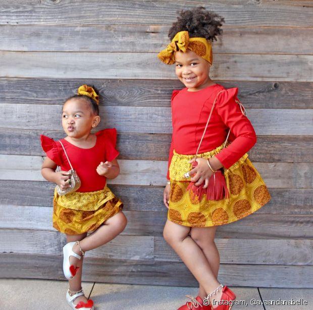 Procure fazer amarrações mais simples com o turbante quando for usá-lo na sua filha