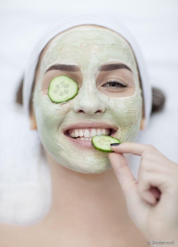 Aposte nas máscaras de pepino para deixar sua pele mais bonita