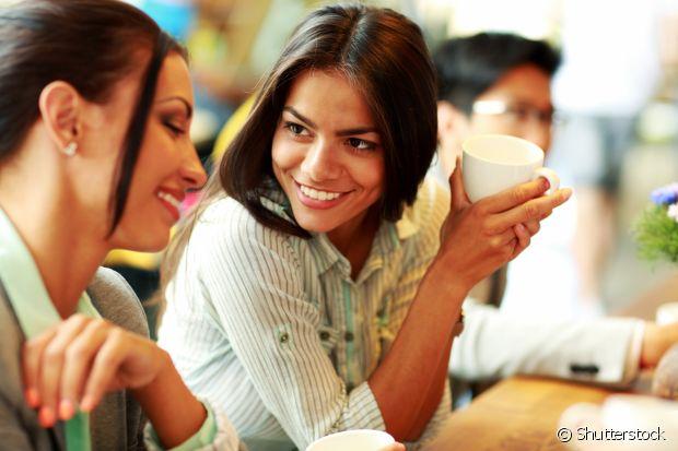 Fique atenta à sua forma de falar, se está muito rápida ou muito devagar, e cuidado com a gesticulação em excesso