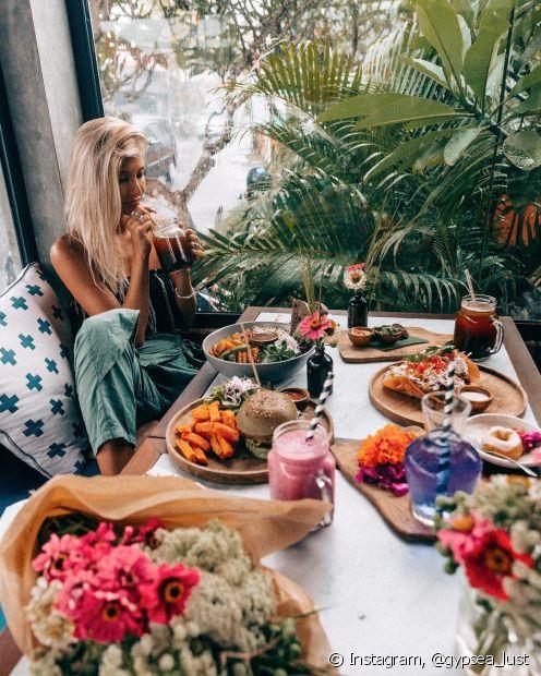 Se a festa tiver comida, você está mais certa que o anfitrião