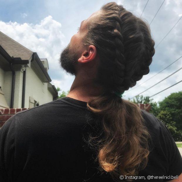 Aposte nas tranças para prender o seu cabelo longo