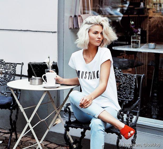 A alemã Louisa Mazzurana possui madeixas platinadas e ama compartilhar seus cliques estilosos com seus mais de 30 mil seguidores