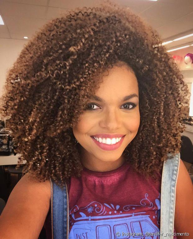 Se quiser clarear o cabelo, cuide bem dos fios para que a descoloração não agrida tanto