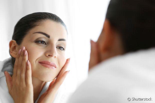 Prepare a pele antes de um evento fazendo a masságem facial