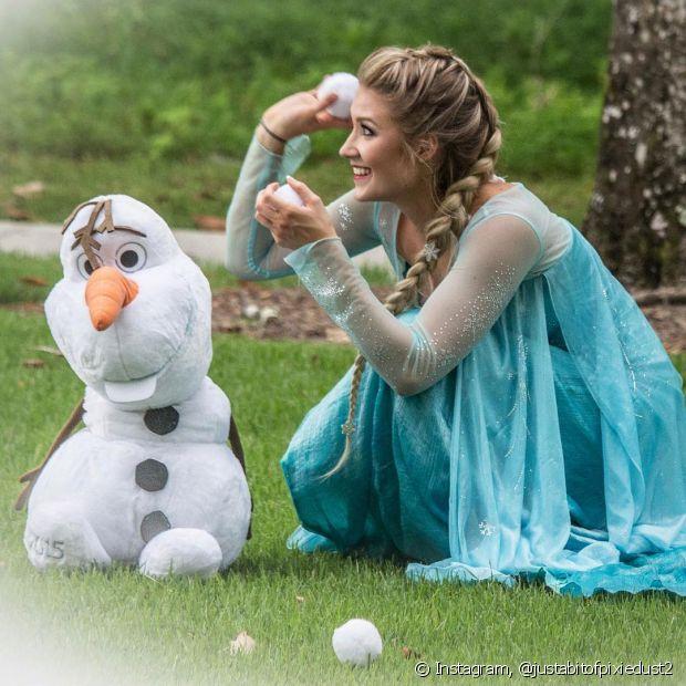 A trança embutida que a Rainha Elsa usa em 'Frozen' é bem fácil de fazer