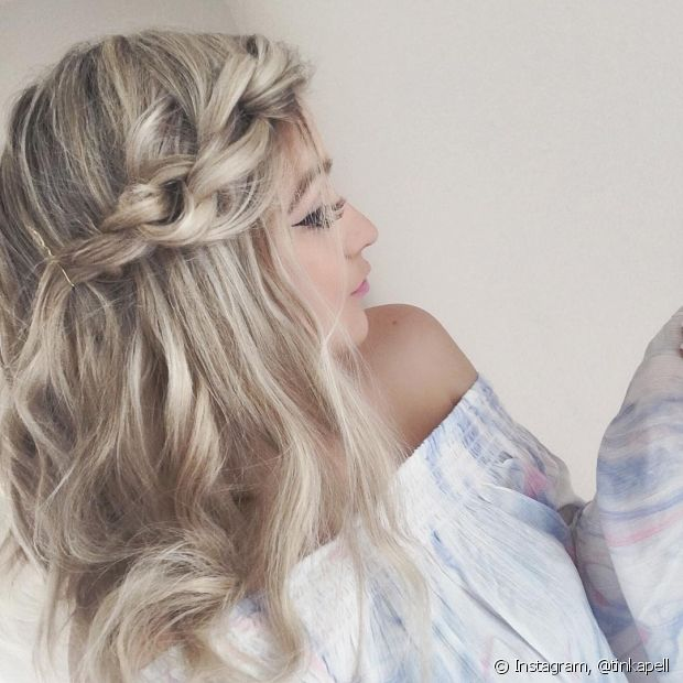 As tranças valorizam ainda mais o seu penteado semipreso, em versões mais simples ou mais elaboradas