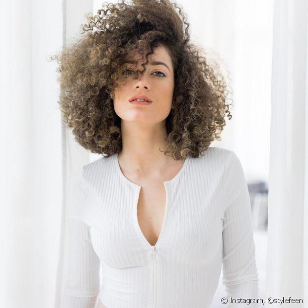 As camadas são extremamente versáteis para os cabelos cacheados e crespos