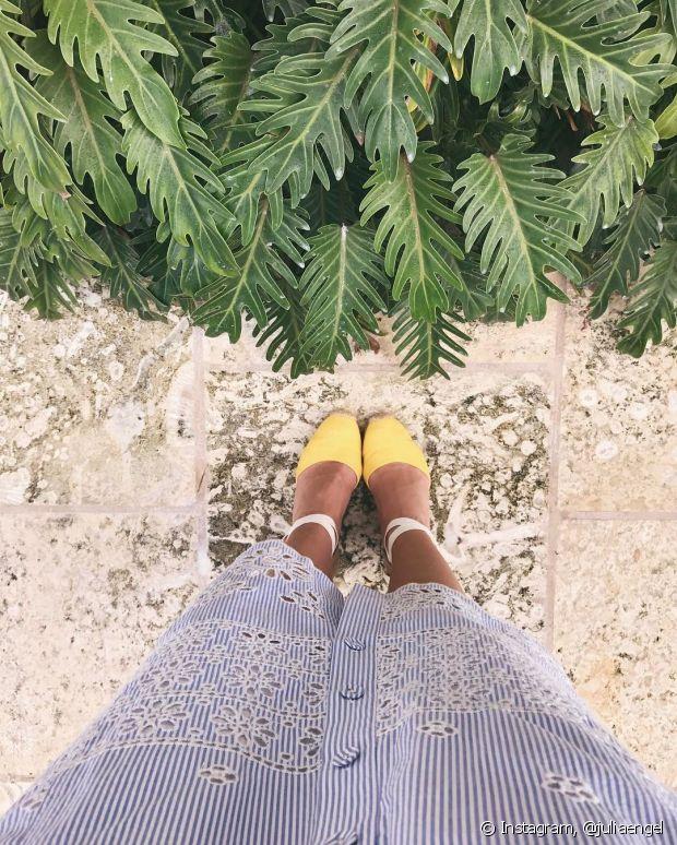 Vai um toque de amarelo até nos seus pés?