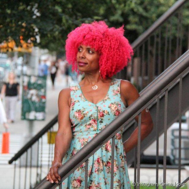 As receitas caseiras também são muito indicadas para quem tem cabelos coloridos e quer cuidar dos fios