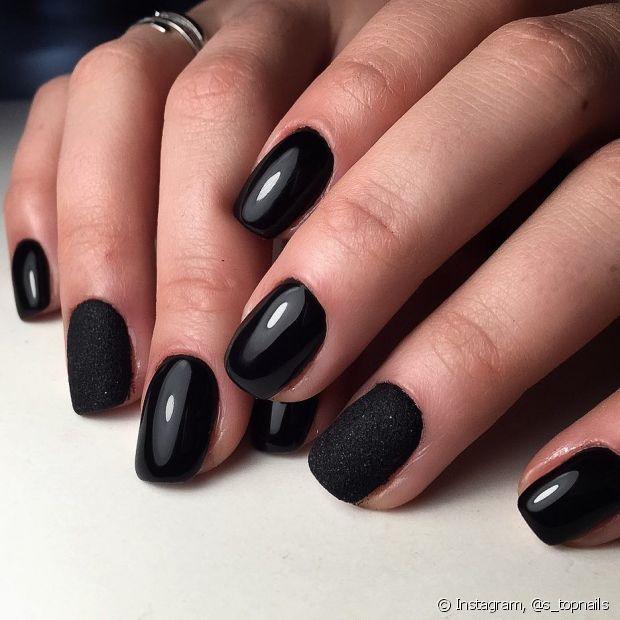 Utilize texturas diferentes para enfeitar sua manicure