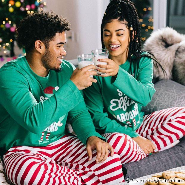 Para continuar no clima natalino, sem a preocupação em montar um look mais produzido, os pijamas temáticos são uma ótima possibilidade