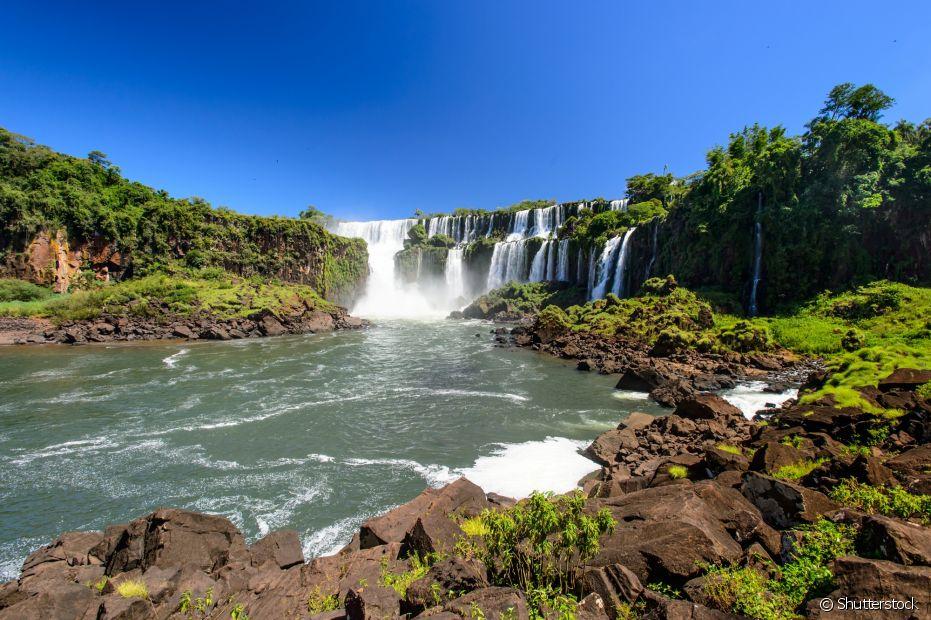 Foz do Iguaçu é famoso por suas cataratas e beleza natural