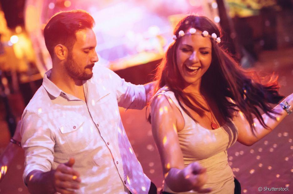 Uma opção que todo atrasado recorre são as festas pagas com bebidas e comidas liberadas