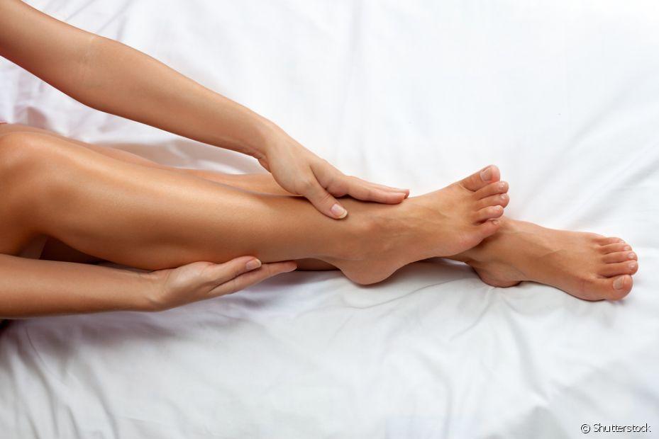 Banho frio, sabonete neutro e roupas mais soltinhas são alguns cuidados que você pode fazer logo após a depilação, para não abafar a pele