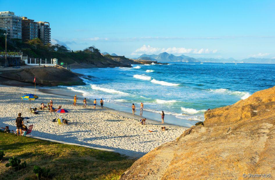 A Praia do Diabo fica entre o Arpoador e Copacabana, na zona sul do Rio de Janeiro
