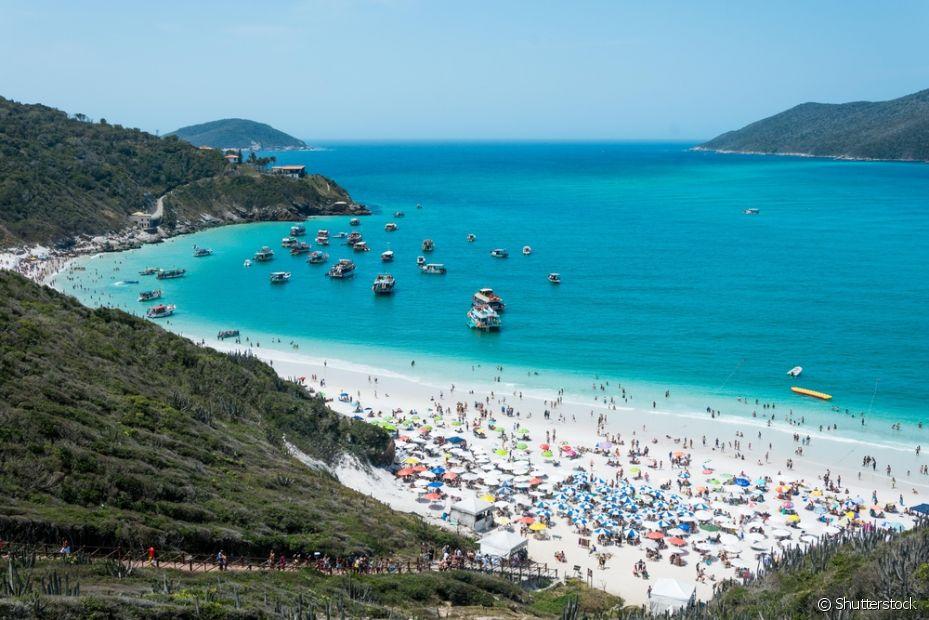 Em Arraial do Cabo, no Rio, as Prainhas do Pontal do Atalaia se destacam como uma das mais bonitas do Brasil