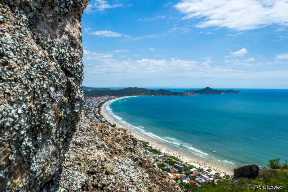 A região Sul do país também tem praias lindas, como a Praia de Bombinhas