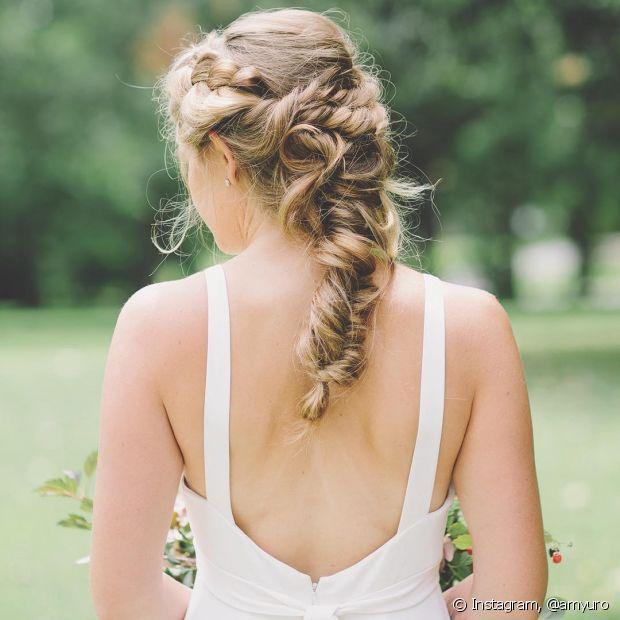 Para casamento no verão, os penteados presos e semipresos são as melhores opções