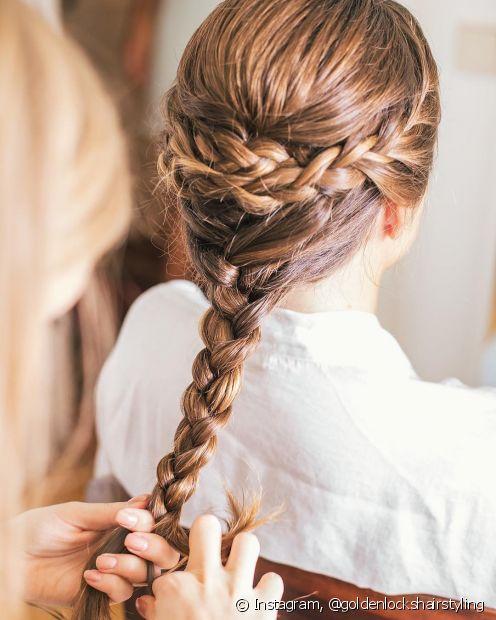Varie o estilo na hora de trançar os cabelos para o casório