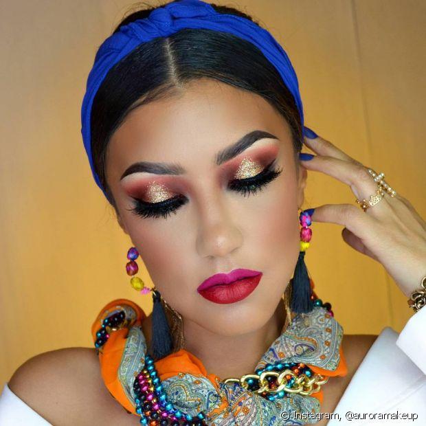 O glitter é muito usado nas maquiagens de Carnaval