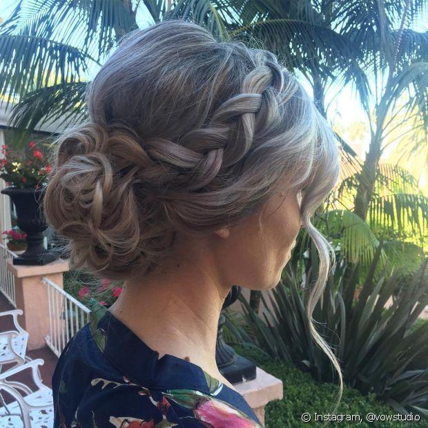 As tranças são opções democráticas para as noivas e ficam bem em qualquer tipo de cabelo