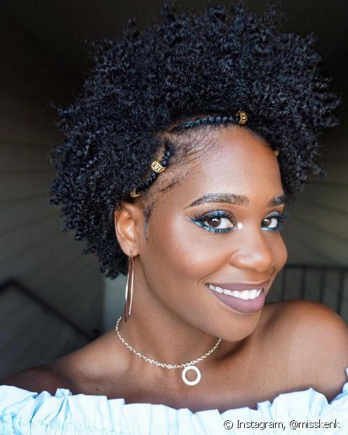 Invista em penteados para estilizar o seu crespo joãozinho no dia a dia