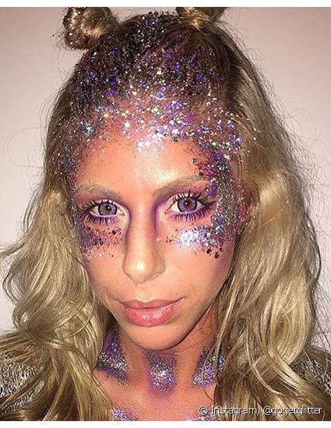Glitter nunca é demais para quem ama Carnaval