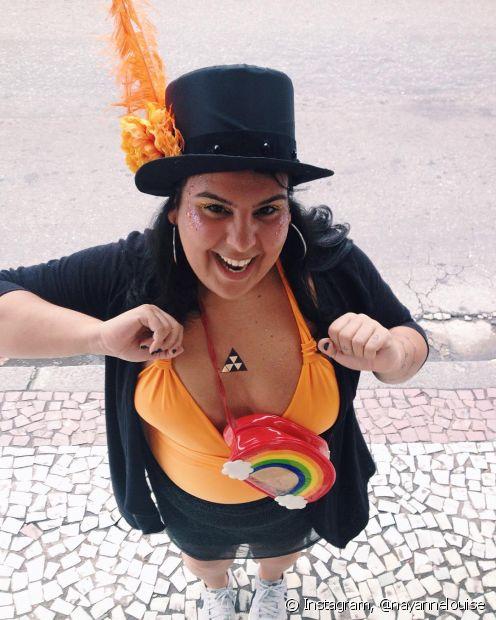 A pochete é perfeita para guardar seus itens essenciais no Carnaval