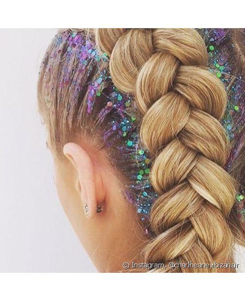 Quando o glitter está no cabelo, a missão de se livrar dele fica ainda mais difícil